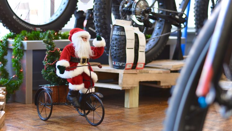 Christmas shopping, holiday shopping, hall bicycle company, Cedar Rapids, Iowa